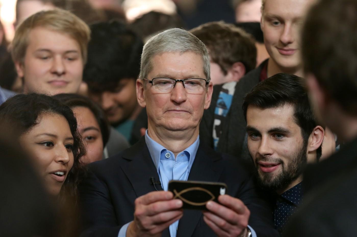 蘋果執行長庫克:「擴增實境(AR)將會像智慧型手機一樣重要。」