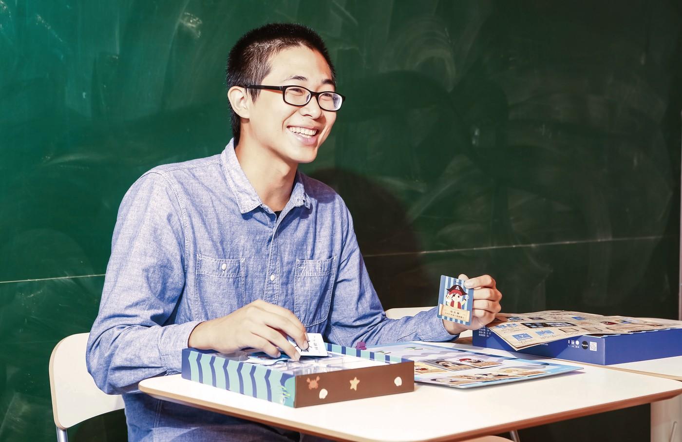 破除菁英階級,程式老爹用桌遊學程式