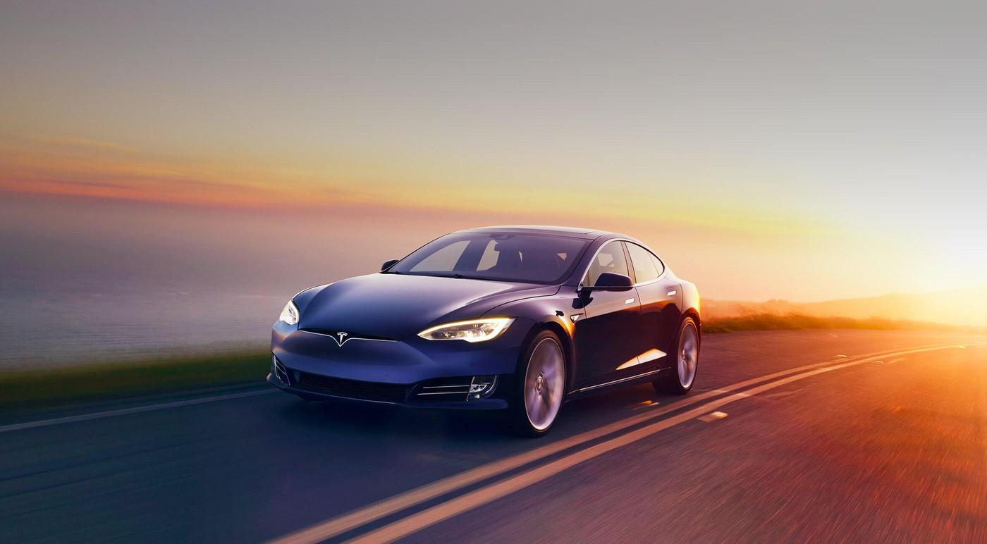 特斯拉:所有車型皆配備「全自動駕駛」硬體,將比人類駕駛更可靠