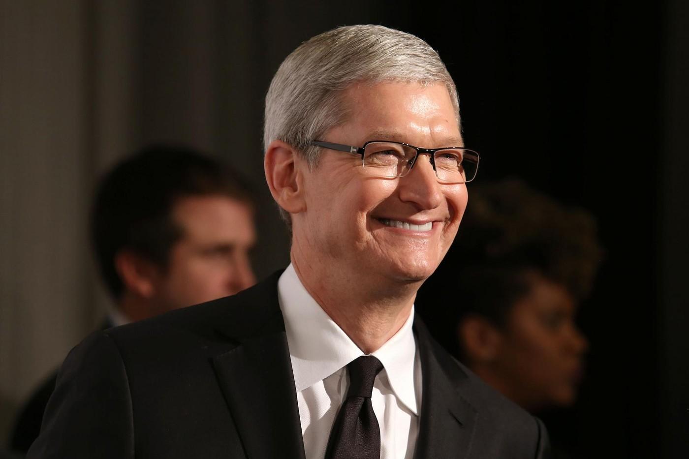 作風跟賈伯斯截然不同,提姆·庫克如何成功改造蘋果?