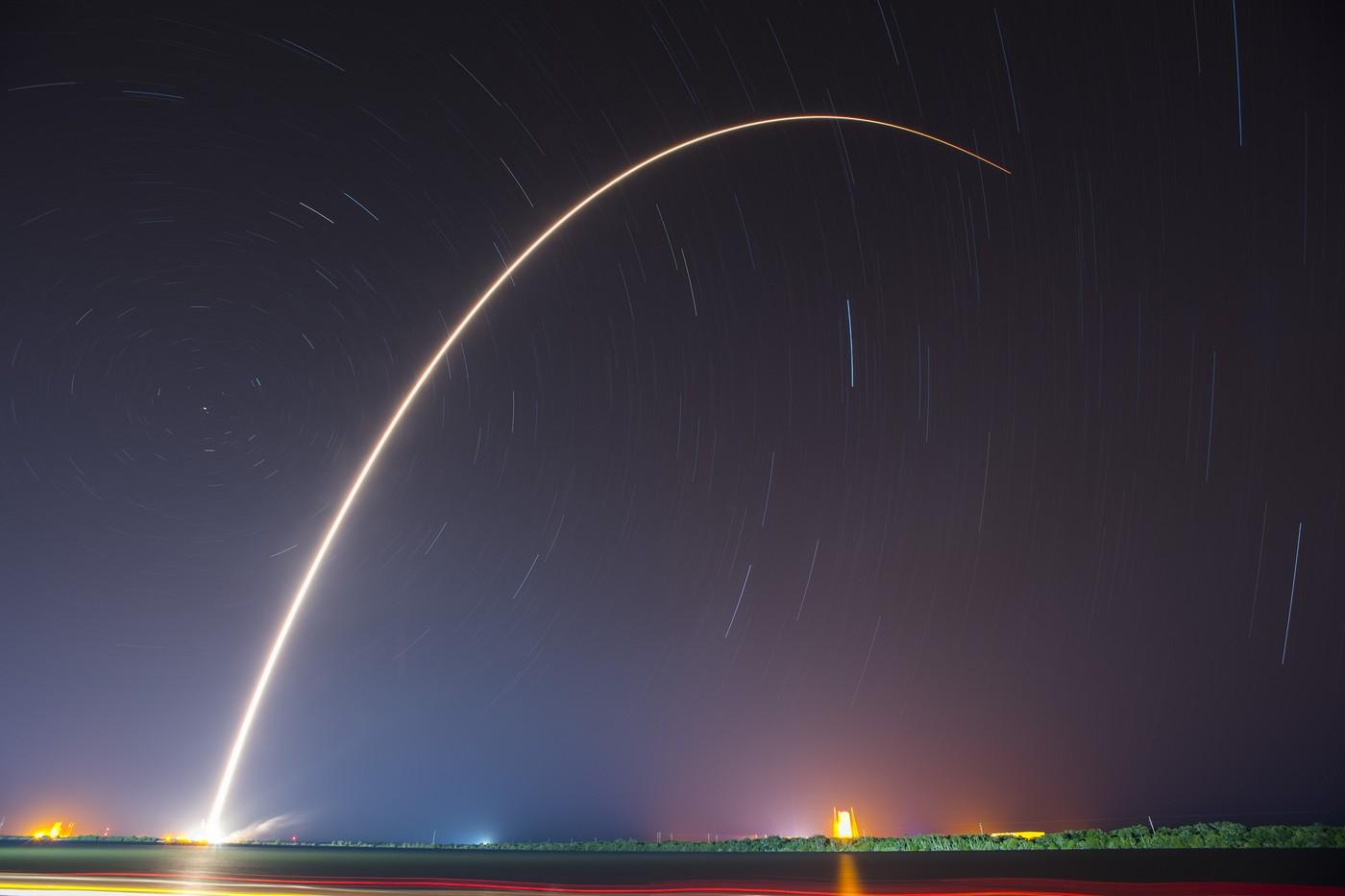 SpaceX雄心不止,想發射4425顆衛星提供全球網際網路服務