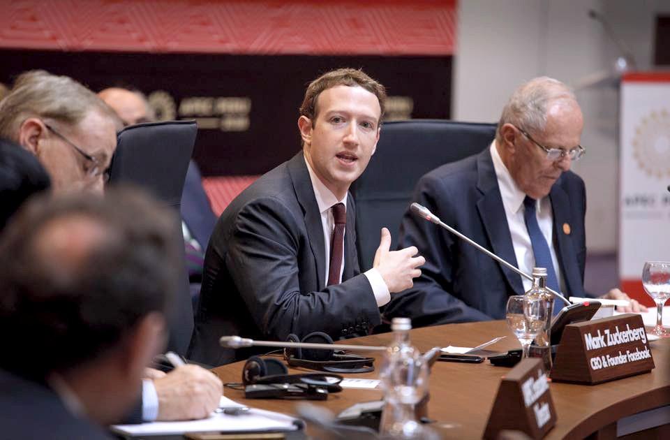 整治Facebook上的假新聞,佐克伯提出了這些措施