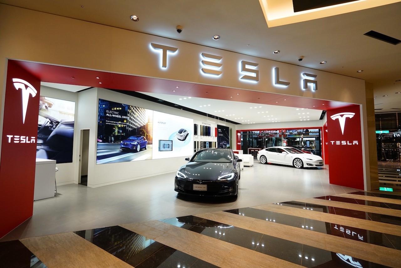 Tesla顛覆定價模式,保險與維修費用全包