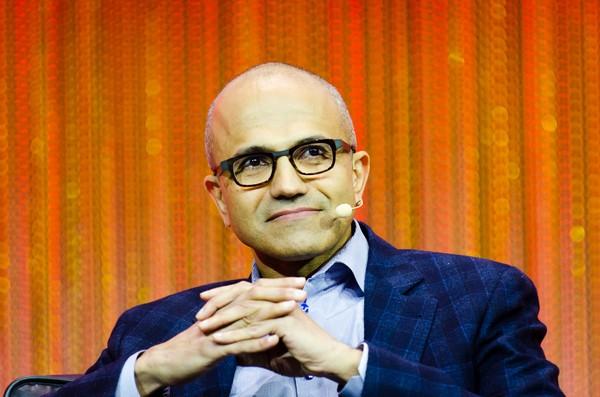 比Netflix更多付费用户!纳德拉如何造就微软云端帝国?