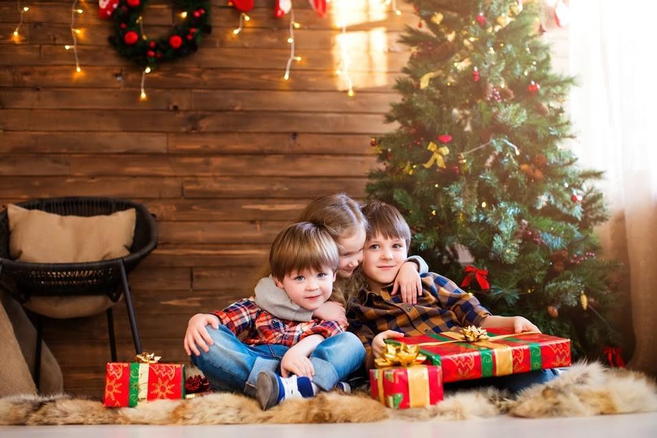 政局越亂越敗家?美聖誕購物衝23兆元新高,亞馬遜成最大贏家