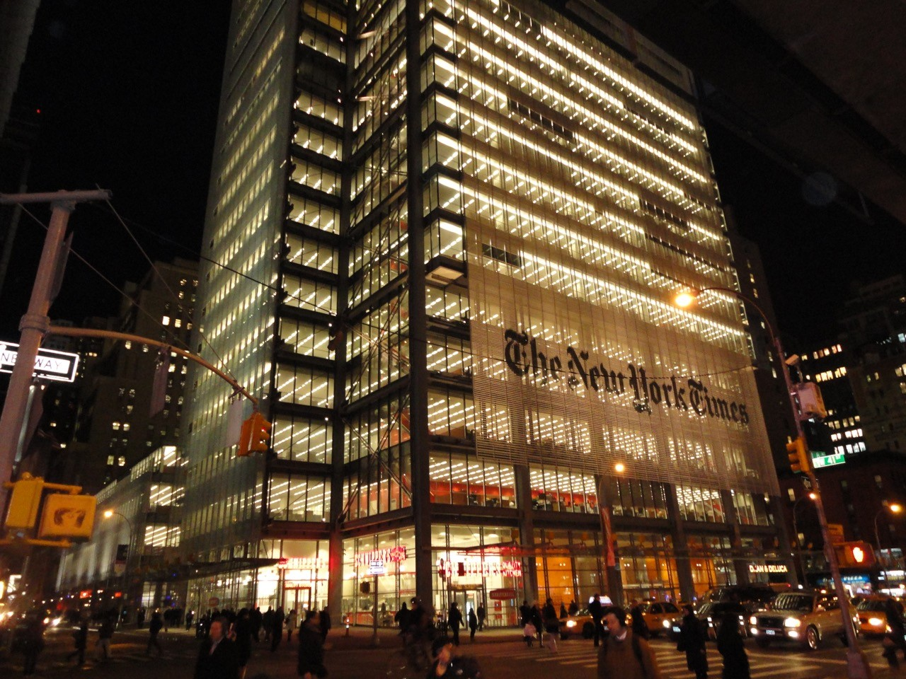 拯救傳媒帝國:《紐約時報》的數位化革命之路