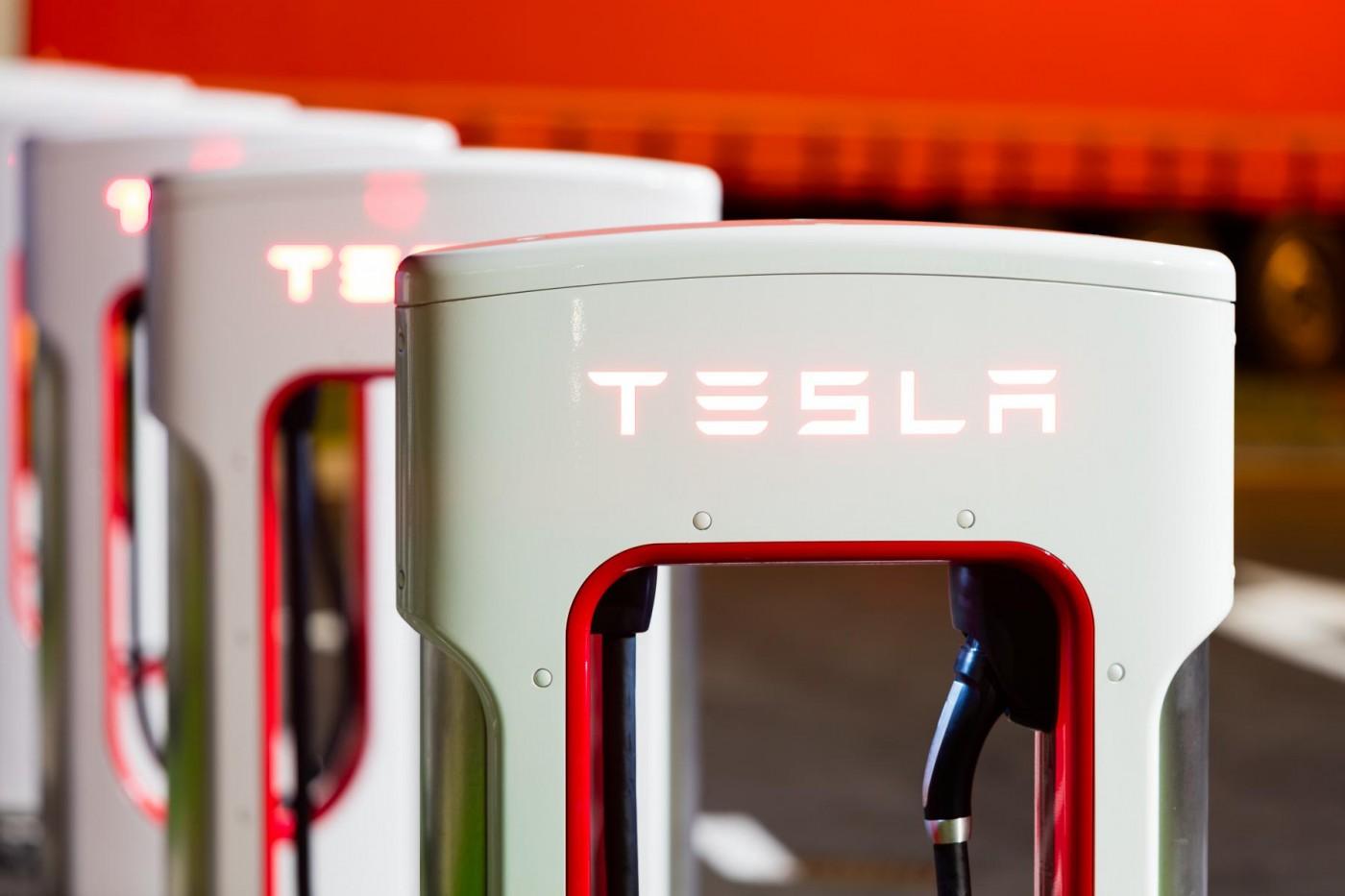 騰訊砸近18億美元買下Tesla 5%股份,成第五大股東