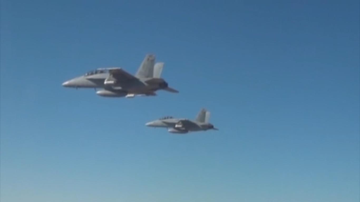 如蜂群過境!美軍成功測試103架如動物群體可相互協調的迷你無人機隊