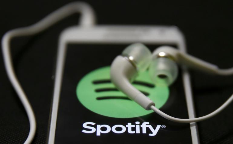 開車當然要聽音樂!Spotify與Waze功能雙向整合的聰明設計