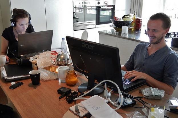 如何提升工作滿意度?調查:每週花 1-2 天進辦公室上班
