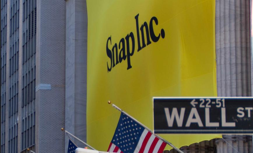 Snapchat瘋狂IPO憑什麼值330億,它真的會是Facebook的勁敵?