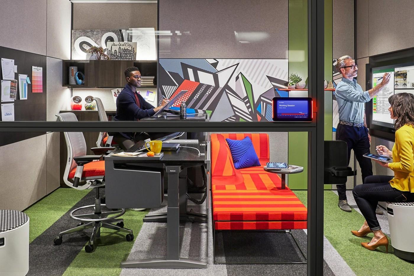 科技與辦公傢俱如何結合?微軟要重新定義你的辦公室!