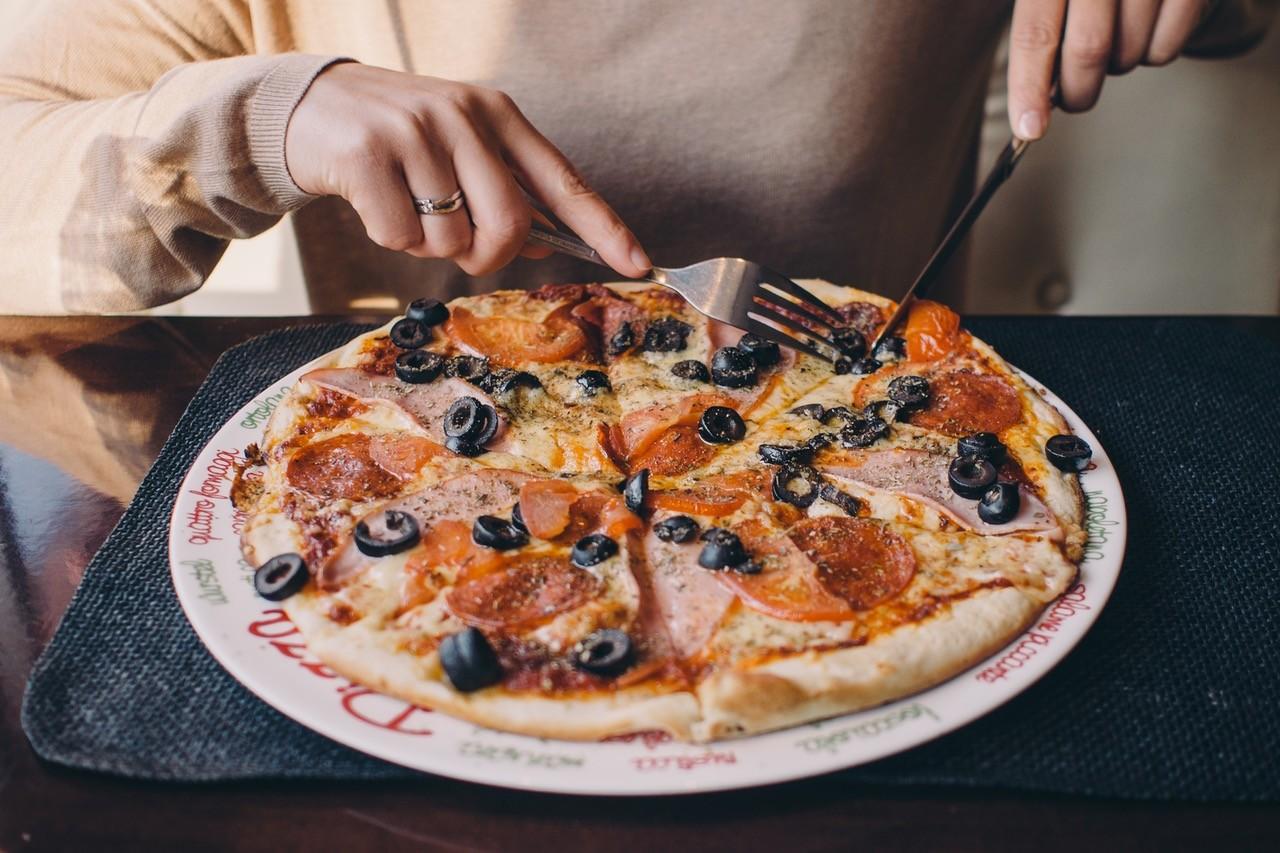 這名美國人8年前買一片披薩所付出的代價,現在相當12億美元