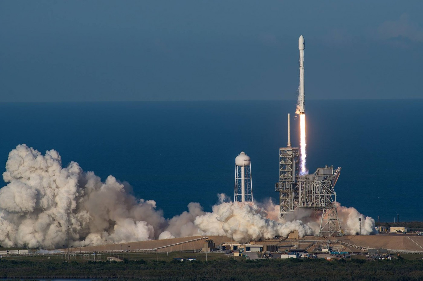 史上第一次!SpaceX終於成功將「回收火箭」再次發射