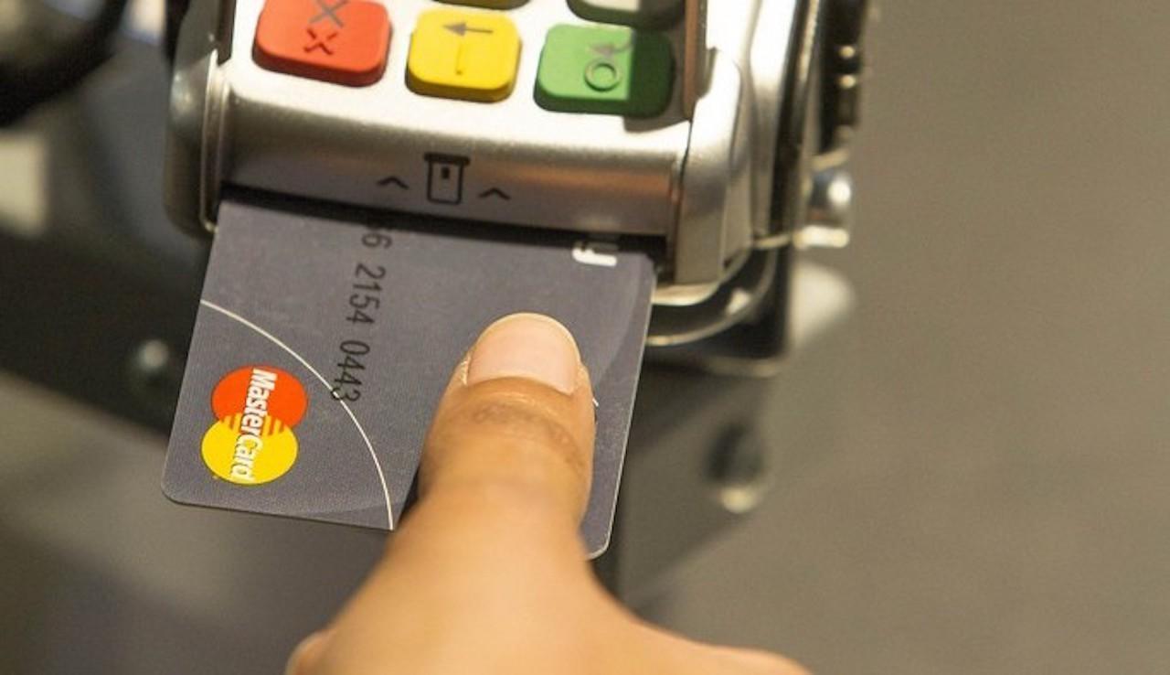 免簽名免PIN碼,Mastercard發表內建指紋辨識的新款信用卡