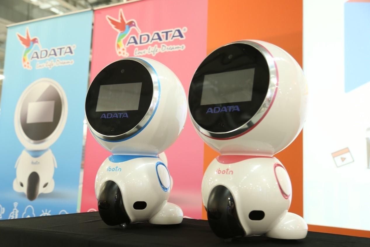 威剛服務機器人上市,是全家適用的智能教育玩伴