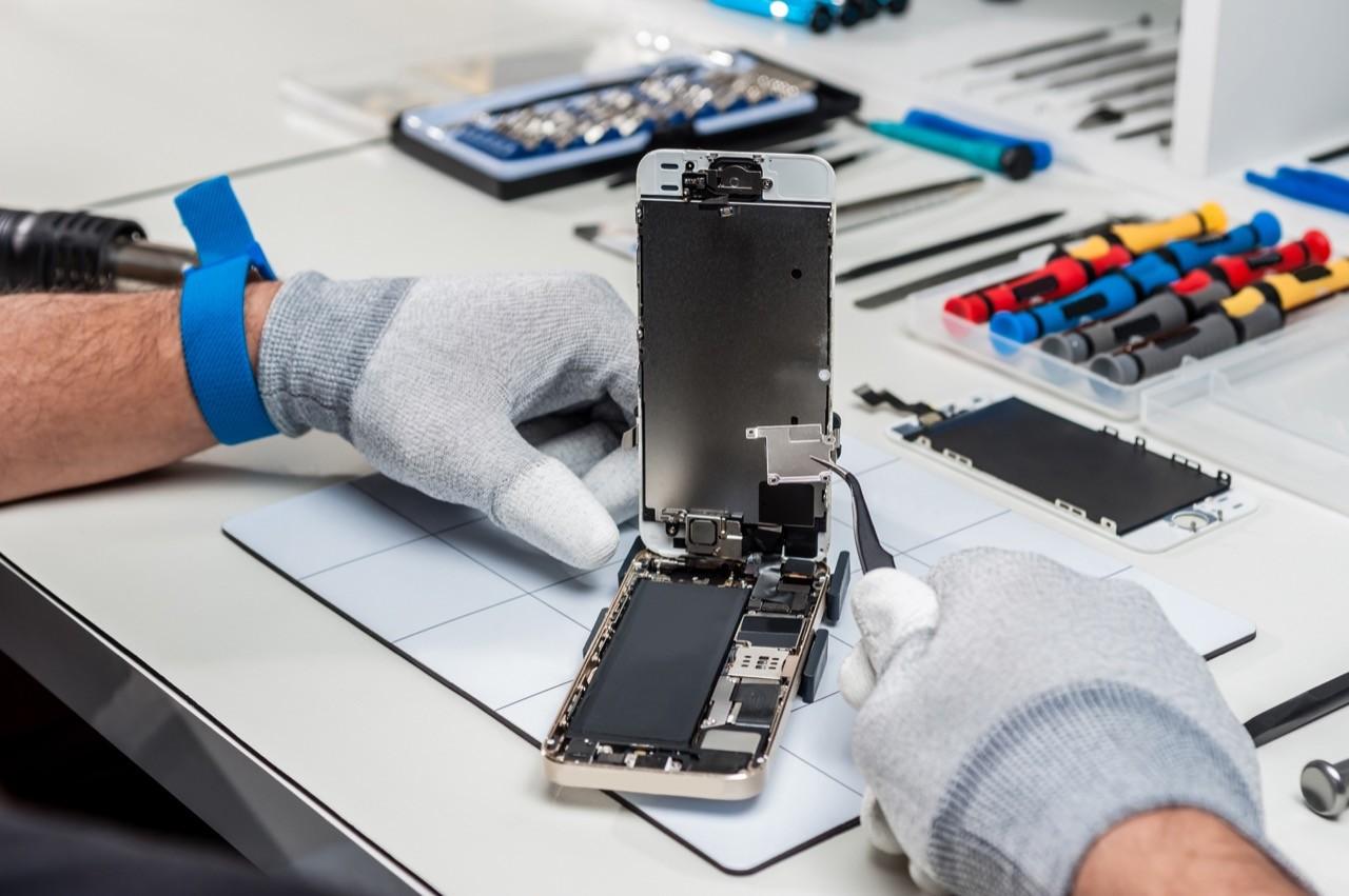 自己的手機為什麼不能自己修?淺談美國正在推動的「維修權」