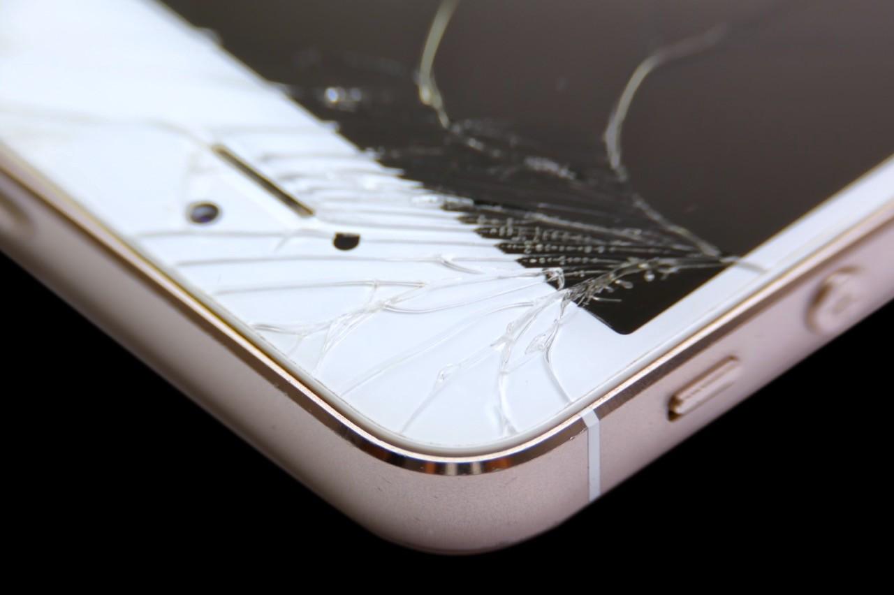 摔壞螢幕的人太多!蘋果計劃向第三方維修中心提供iPhone專用螢幕修復機