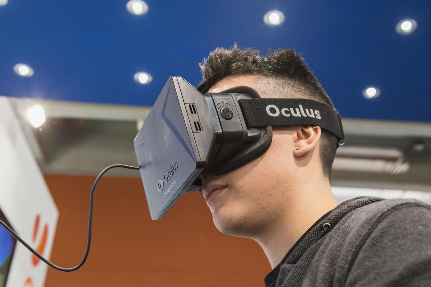 VR慢熱?為什麼HTC Vive、Oculus都選在這時降價了?