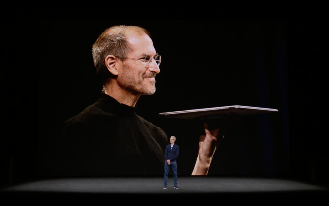 蘋果賣的不是iPhone而是賈伯斯!3分鐘學會老編劇的故事行銷超強公式