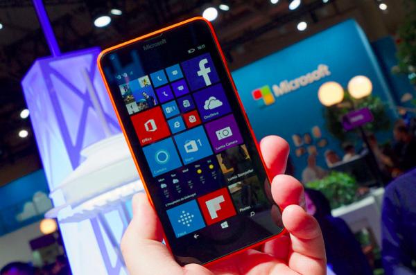 微软回归手机战场的野心之作:双屏幕Surface Duo能让人刮目相看吗?