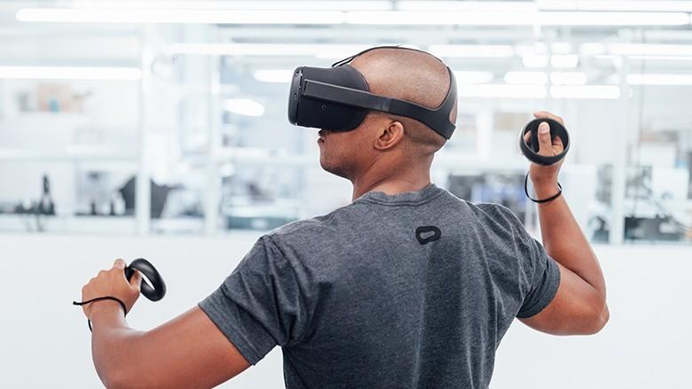 砍價到200美元,祖克柏:臉書新VR裝置要搶攻10億用戶