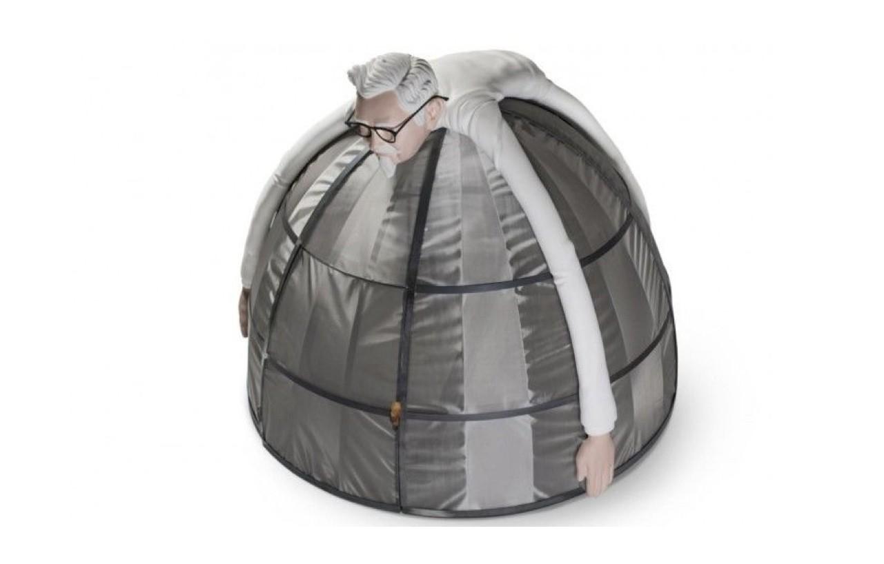 為了讓你安心吃炸雞,肯德基推出了這款「反網路帳篷」