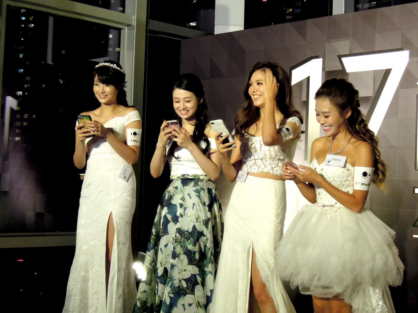 17直播進攻香港靠明星圈粉,近四成直播主都有藝人背景