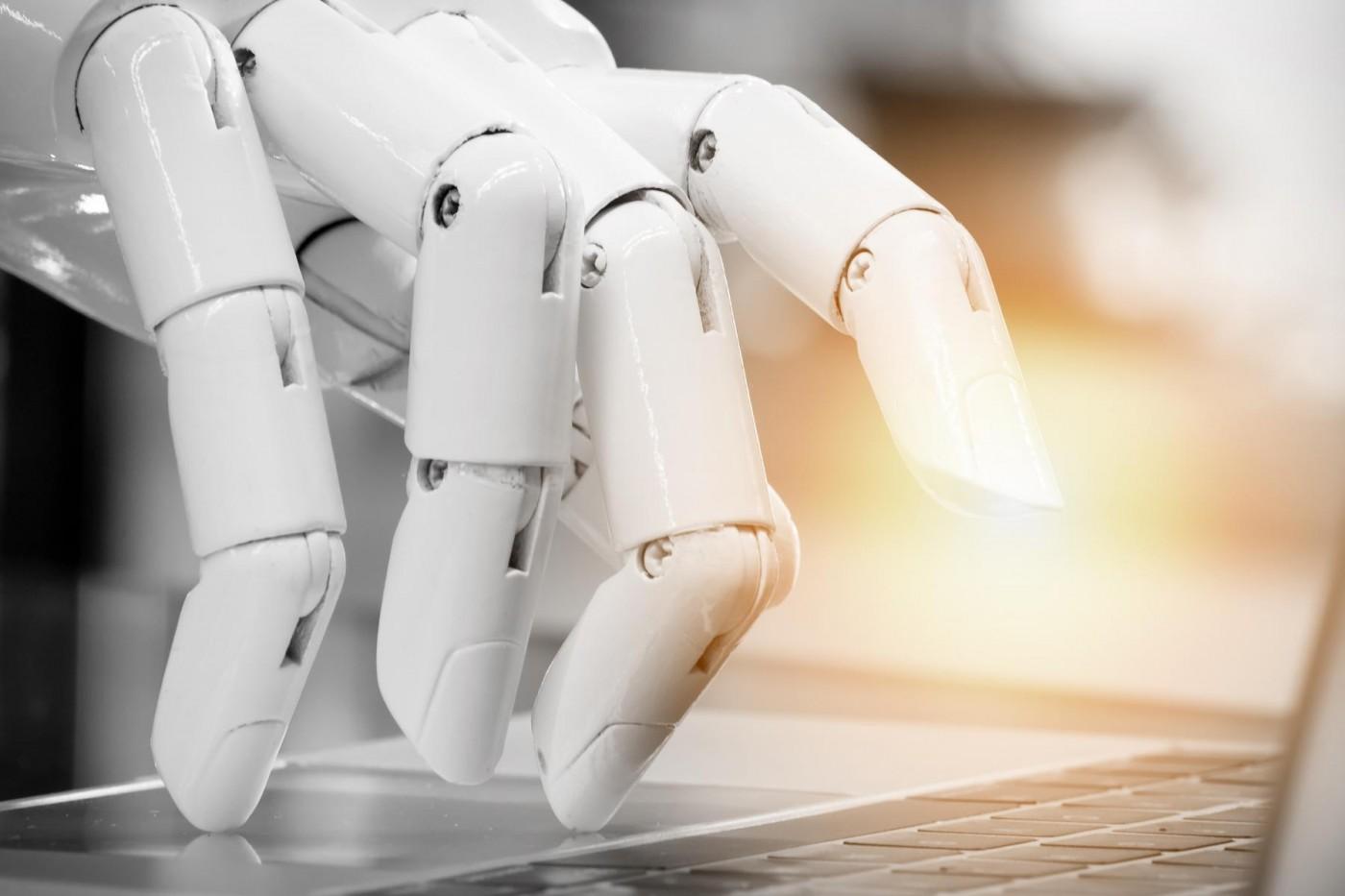 24小時待命不輸真人客服,ChatBot將成為2018年企業必備武器