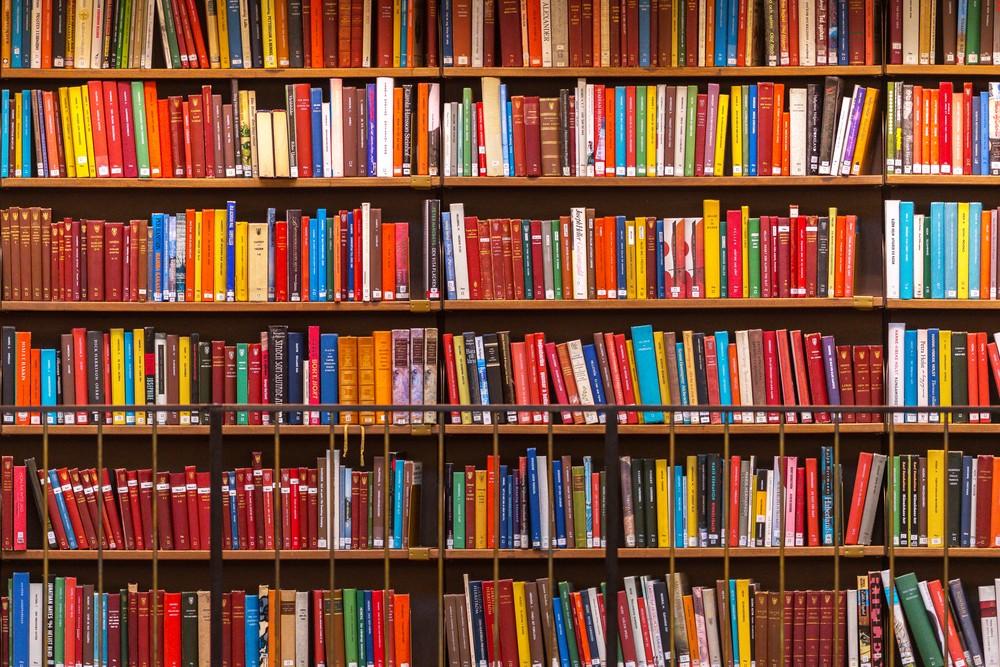 經典不敗,連比爾蓋茲、巴菲特都愛不釋手!年度必讀的22本暢銷書
