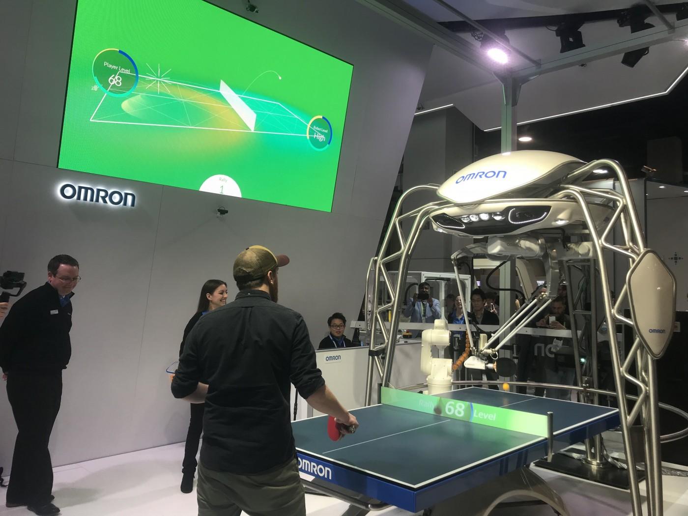 自動桌球教練、摺衣幫手拚搶鏡,從CES看機器人商機在哪?