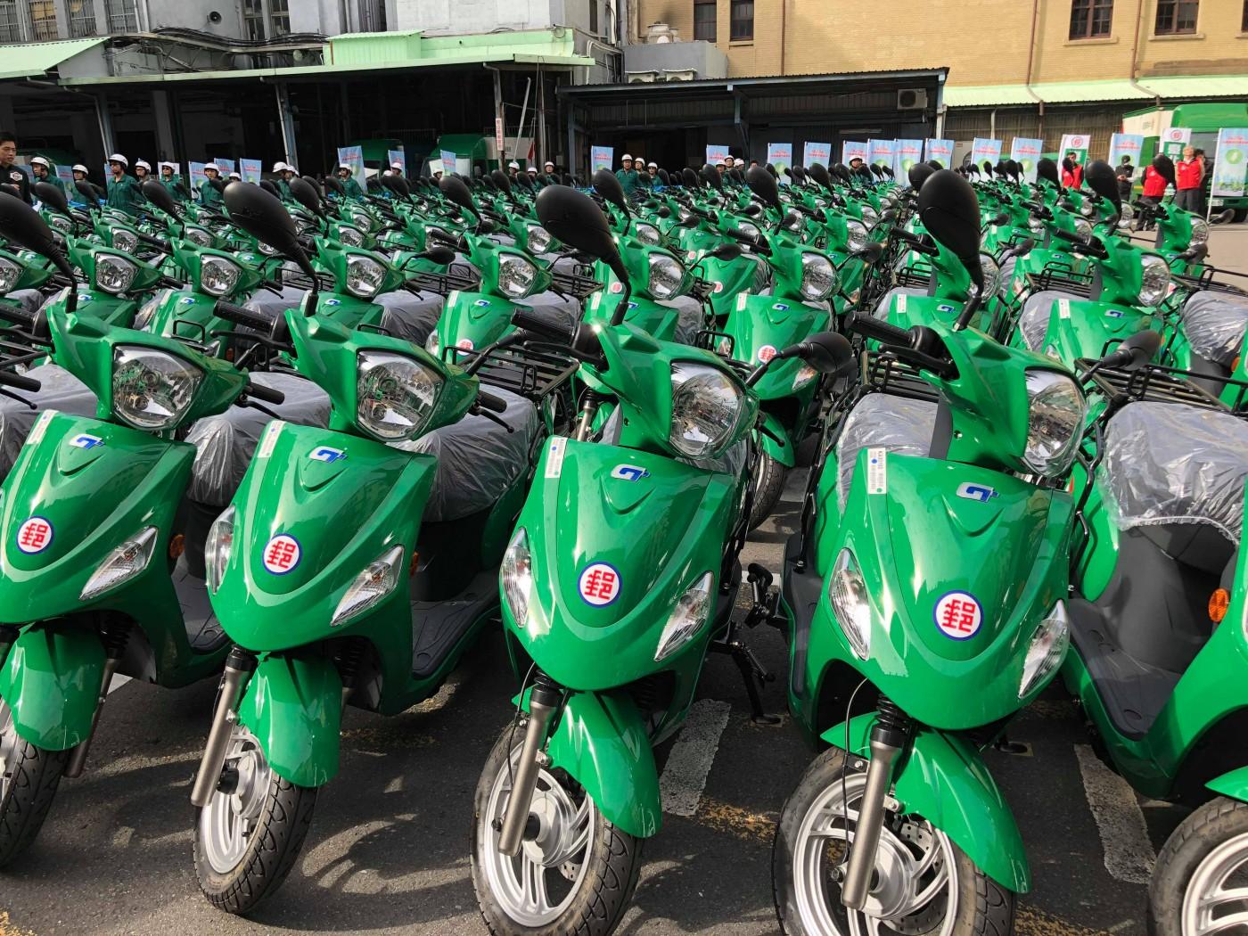 郵差送信改騎電動機車,中華郵政1627輛綠能車隊正式上路