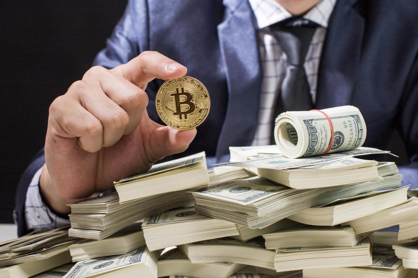 比特幣狂熱造就的獨角獸──交易平台Coinbase年營收近300億,投資客瘋搶股票
