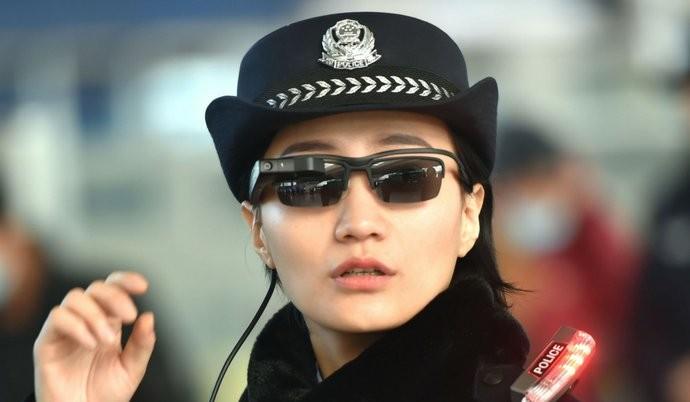 陸警配「人臉辨識墨鏡」打擊犯罪,卻惹人權團體不開心
