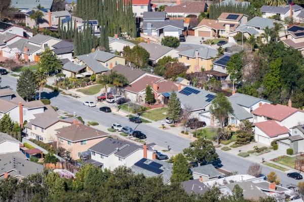 这硅谷房价吓skr人,Apple、Facebook和Google过半员工买不起