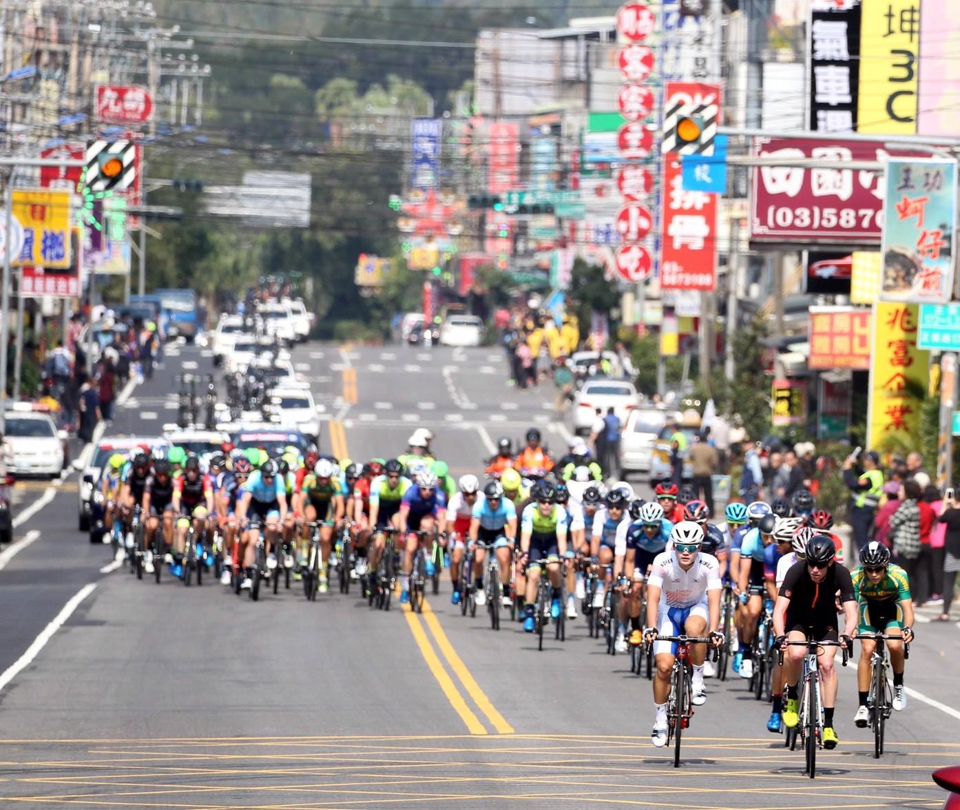 台灣之美超精「踩」 國際自由車環台賽盛大登場