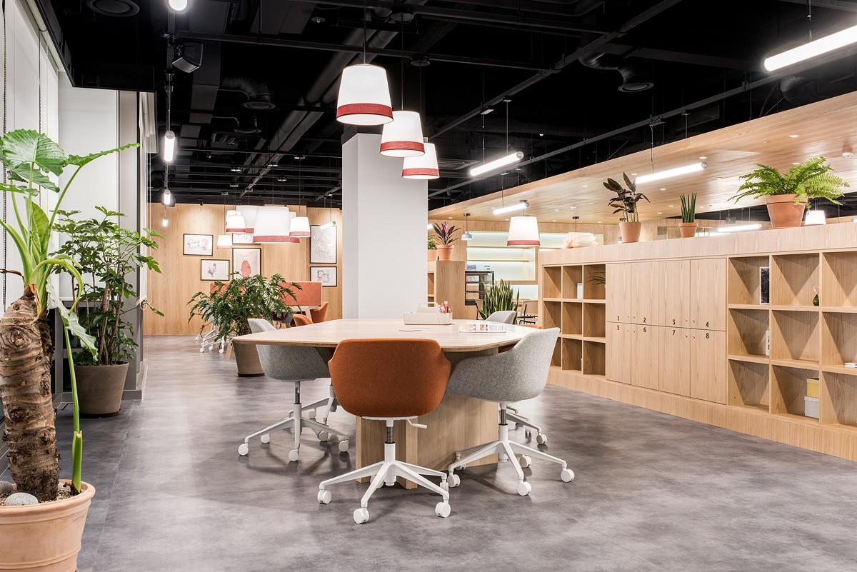 效法荷蘭經驗 善用 Spaces 成就人生勝利組 選對共享工作空間,快速拓展業務、建立好人脈