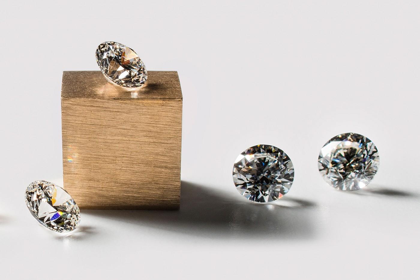 「我手上的未來鑽石只要38萬!」人造鑽石將在大遠百開賣...你會想買嗎?