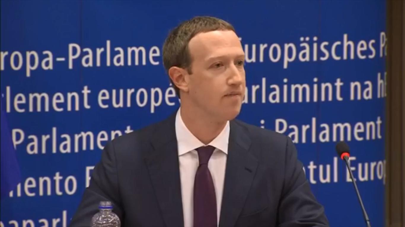 坐實偷窺之名?英國會判設獨立機構監管Facebook
