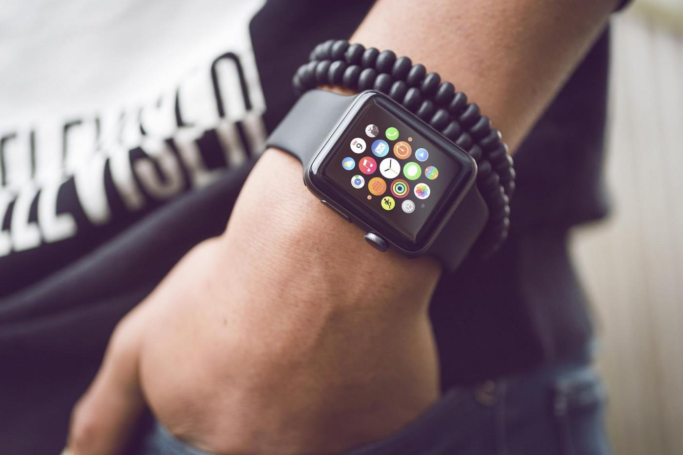 省下病患自行記錄麻煩,Apple Watch將可追蹤帕金森氏症病況