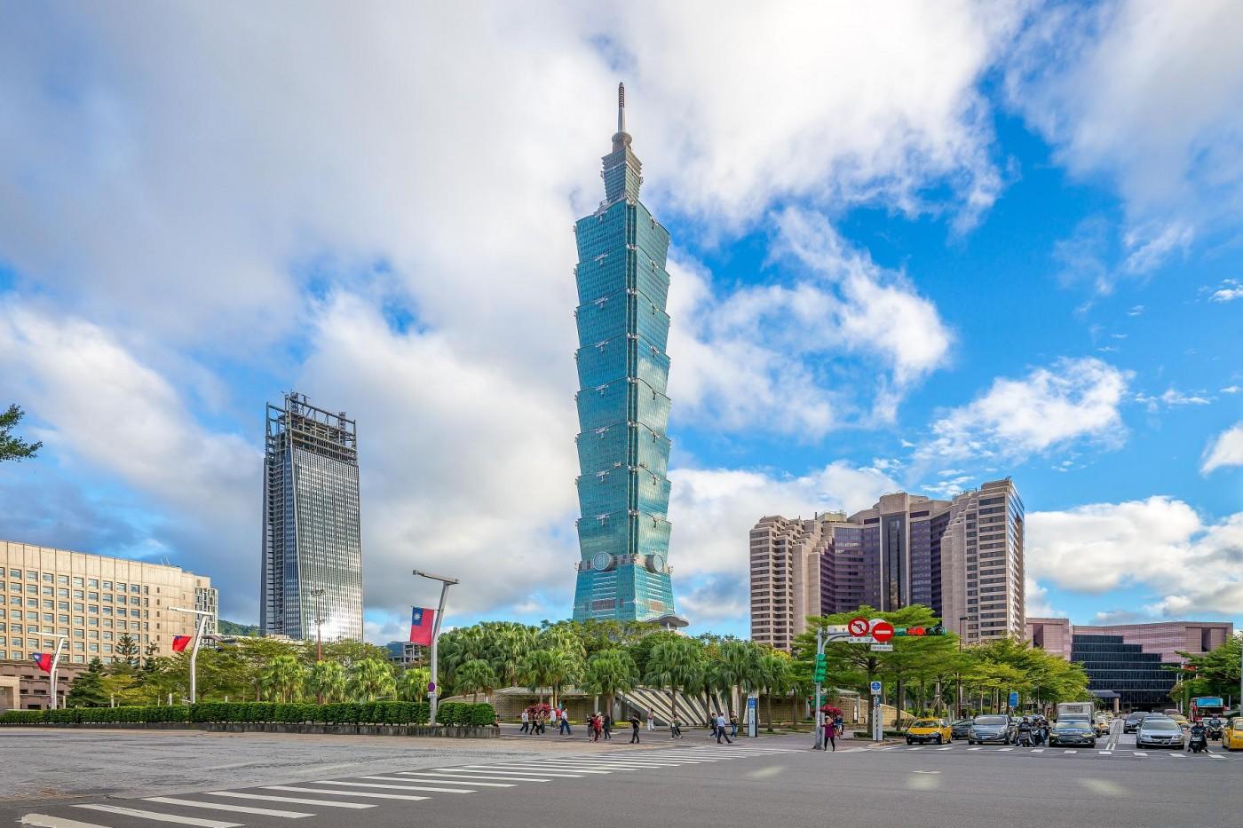 台灣該繼續專心做代工?提升台灣競爭力,簡立峰等專家點出4建議與1危機