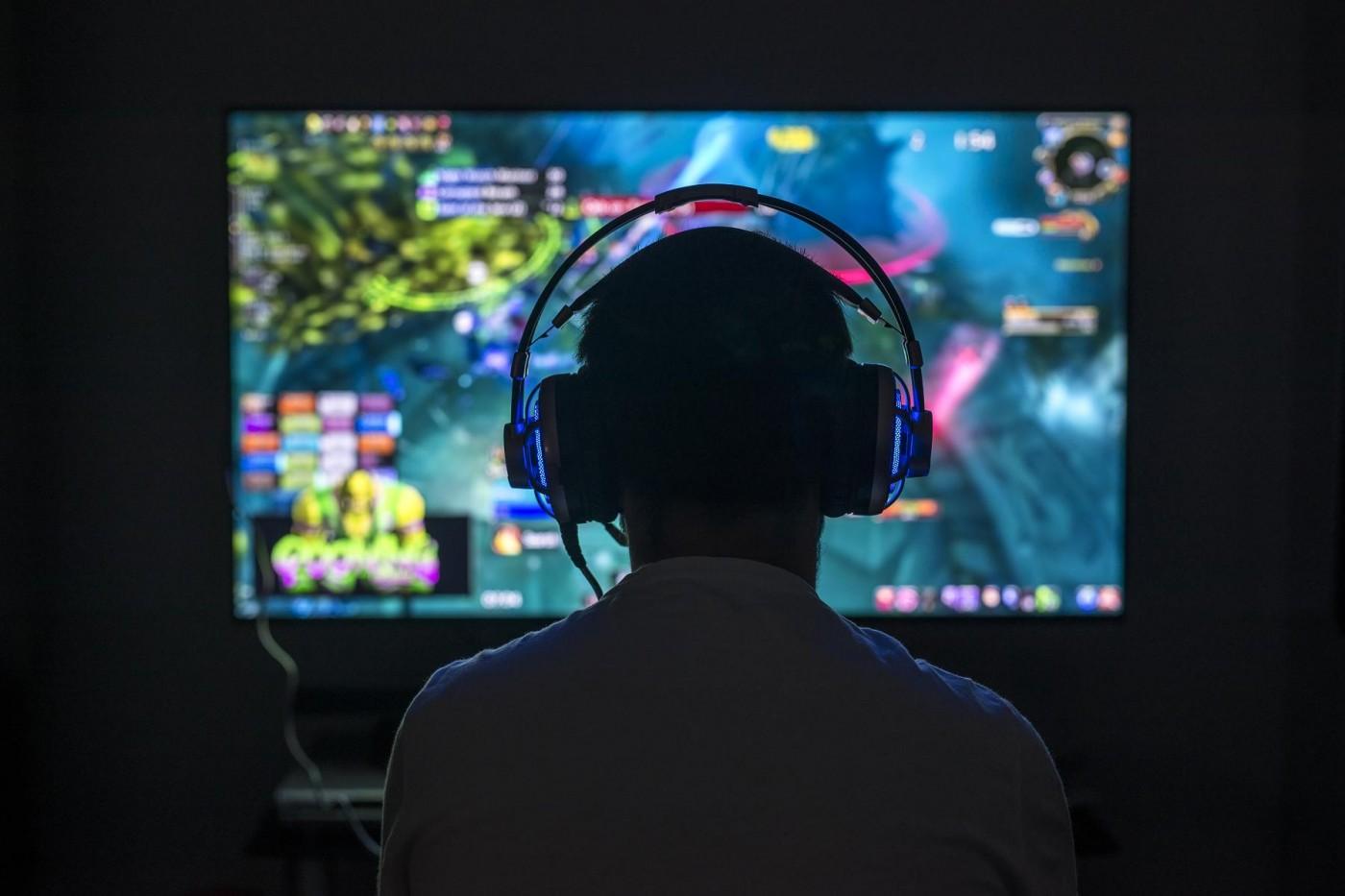 沉迷電玩是一種病?「遊戲成癮」納入精神疾病,醫療把關成挑戰