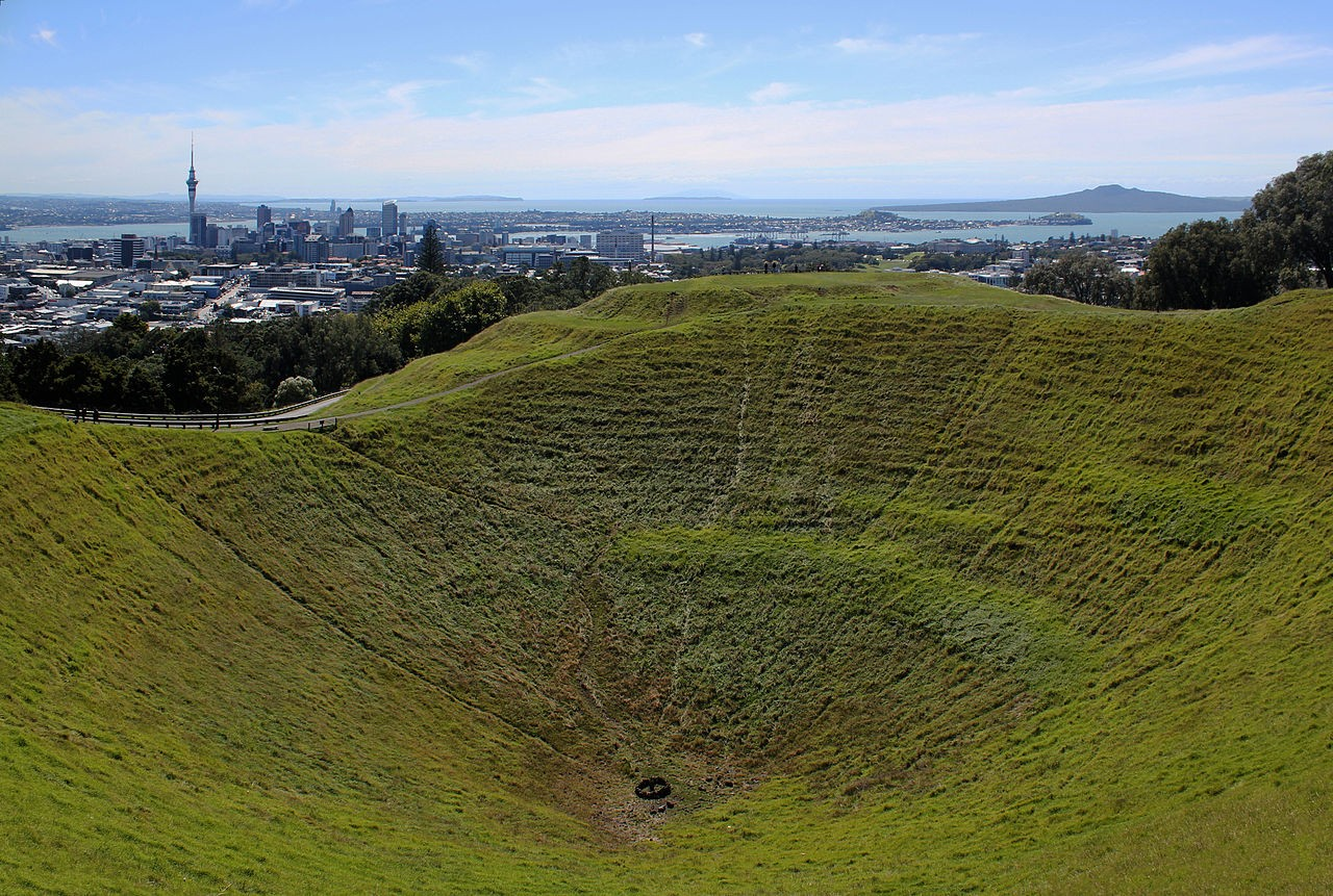紐西蘭火山口裡的共享腳踏車