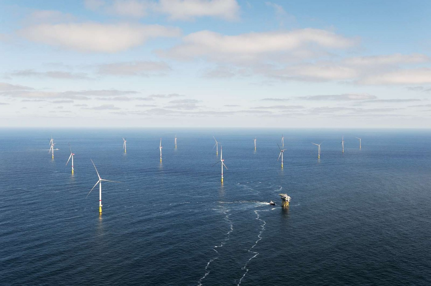 再也不是貴電,離岸風電二階段開標2外商得標,每度電價最低2.2元