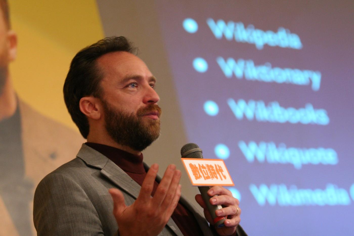 網路老兵維基創辦人 Jimmy Wales 不死,再戰 2018 科技趨勢