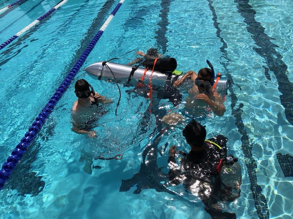 首批少年被救出後,馬斯克營救泰國受困少年的「兒童版潛水艇」正式曝光