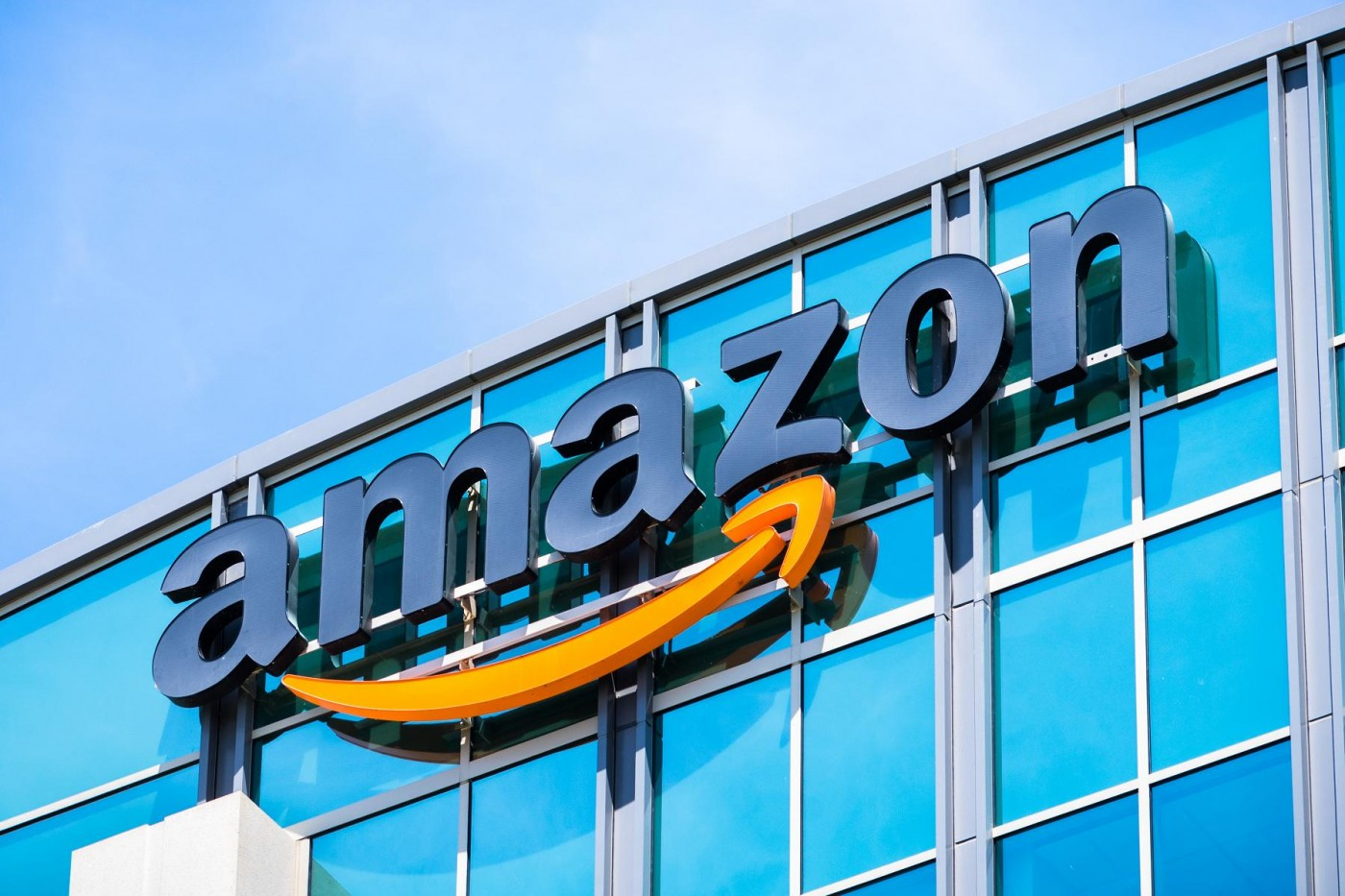 亞馬遜幾乎拿下美國電商市場半壁江山,服飾銷售占比也近4成