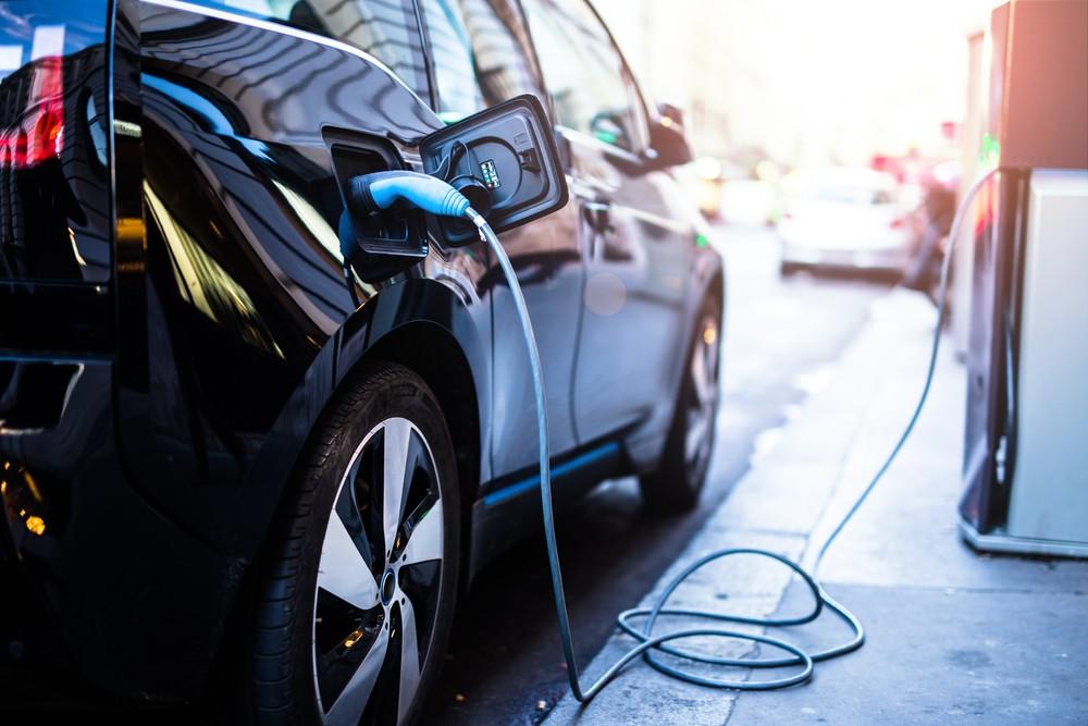 聯手爭取國際電動車廠訂單,精英投資智慧充電新創Iotecha將開花結果