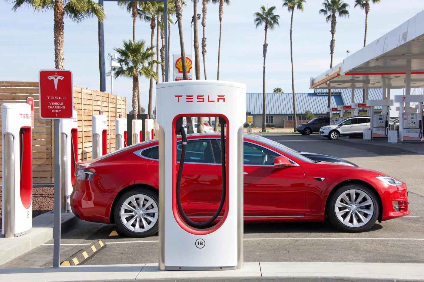 特斯拉將調整全球超級充電站充電價格,車主錯愕