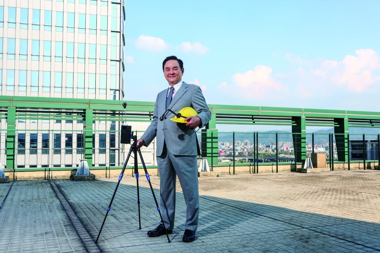 台灣半導體業不能怯戰,鈺創盧超群:再熬九個月商機就來了